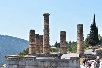 2017-06-14-Greece-Delphi-temple-apollo
