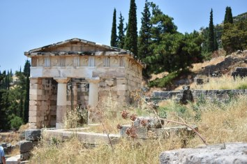 2017-06-14-Greece-Delphi-treasury