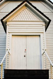2017-06-24-Smyrna-church-door